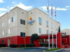 Merced (CA) Quality Inn United States, North America Stop at Quality Inn to discover the wonders of Merced (CA). The hotel has everything you need for a comfortable stay. All the necessary facilities, including Wi-Fi in public areas, car park, car hire, laundry service, elevator, are at hand. Each guestroom is elegantly furnished and equipped with handy amenities. Take a break from a long day and make use of sauna, outdoor pool, fishing. Friendly staff, great facilities and cl...