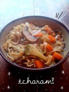 Chow mein. | 14 receitas de uma panela só que vão facilitar demais para o seu lado