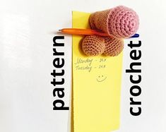 Crochet Men, Diy Crafts Crochet, Crochet Round, Crochet Christmas Trees, Christmas Tree Toppers, Pen Toppers, Wine Bottle Covers, Crochet Kitchen, Single Crochet Stitch