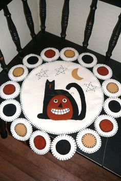 Black Cat & Jack Primitive Penny Rug by PrindleMountainPrims