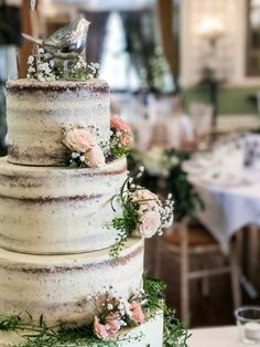 Naked & Semi Naked Wedding Cakes