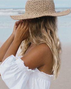 Beach hair - Matilda Djerf