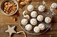 Popękane migdałowe ciasteczka Stuffed Mushrooms, Cookies, Vegetables, Desserts, Food, Stuff Mushrooms, Crack Crackers, Tailgate Desserts, Deserts