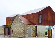 Crispy bacon core 10 house by Sandy Rendel Architects - next Wed's finished Grand Design..