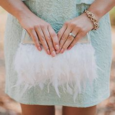 Make this chic DIY feather clutch with few supplies + easy directions!