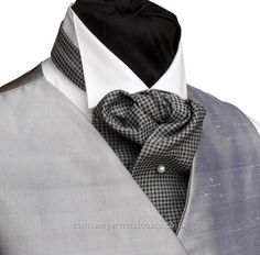 A fairly typical ascot cravat from Tom Sawyer clothing Mode Masculine, Sharp Dressed Man, Well Dressed Men, Cravat Tie, Morning Dress, Ascot Ties, Men Formal, Wedding Suits, Mens Suits