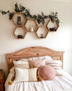 #diy Room Ideas Bedroom, Teen Room Decor, Small Room Bedroom, Bedroom Designs, Small Teen Room, Bedroom Ideas For Small Rooms, Diy Bedroom Decor For Teens, Bedroom Inspo, Aesthetic Room Decor