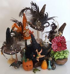 love these witch hats. 1:12th Scale Miniatures.