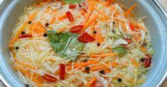 Ak túžite po chrumkavej a jemne pikantnej kapuste, prinášame vám veľmi dobrý a rýchly recept. Túto vitamínovú bombu sa oplatí mať v chladničke! Potrebujeme: 2 kg kapusty 4 hrubé mrkvy 3-4 strúčiky cesnaku Na marinádu: 1 l vody 1/2 šálky cukru 1/2 šálky rastlinného oleja 1/2 šálky octu 2 PL soli 10 guľôčok čierneho korenia... Japchae, Cabbage, Spaghetti, Food And Drink, Salad, Healthy Recipes, Vegetables, Ethnic Recipes, Fit