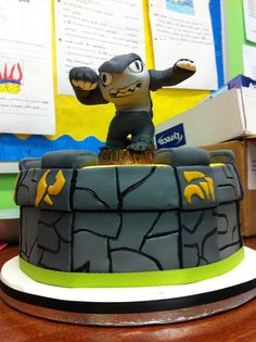 Skylanders cake Terrafin by joey+3, via Flickr