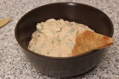 Sos de iaurt cu hrean şi brânză Guacamole, Mashed Potatoes, Dips, Pasta, Cooking, Ethnic Recipes, Food, Syrup, Dressings