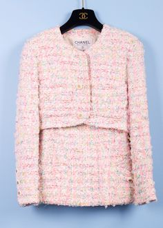 Boutique Cropped Bubble Gum Tweed Blazer Reminds me of mrs. Kennedy.