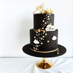 New baby first birthday cake twinkle twinkle ideas Beautiful Birthday Cakes, Beautiful Cakes, Black And Gold Cake, Baby First Birthday Cake, Cloud Cake, Star Cakes, Twinkle Twinkle Little Star, Pretty Cakes, Themed Cakes