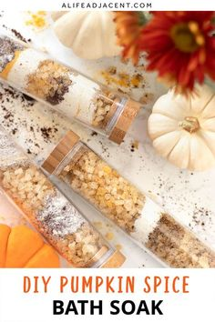 Learn how to make a DIY pumpkin spice bath soak! Forget store bought bath soaks and their artificial fragrances and dyes. This natural homemade recipe is easy to make in under 5 minutes! It contains a delicious blend of essential oils, plus real pumpkin powder, milk powder, and mineral-rich bath salts. Perfect for gifting, just layer these bath salts into tubes or pretty containers. Also includes a vegan option with coconut milk powder! #bathsalts #pumpkinspice #alifeadjacent #bathsoak Diy Pumpkin, Pumpkin Spice Latte, Homemade Body Care, Bath Soaks, Coconut Milk Powder, Diy Lotion, Diy Beauty, Beauty Hacks, Homemade Recipe