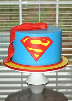 Superman Cake, Hope's Sweet Cakes Mine Looked awesome! Pretty Cakes, Cute Cakes, Superman Cakes, Superman Party, Brides Cake, Caking It Up, Superhero Cake, Cakes For Men, Wedding Cakes With Flowers