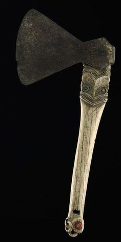 This article aims to help the reader understand and distinguish the different types of Maori Weapons. To understand Maori weapons and their intended specialized functions. Maori Tribe, Maori Art, Bone Carving, Tribal Art, Hand Axe, Masks, Africa, Drawing, Drawings