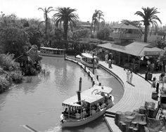 Here you will find a collection of photographs, videos, and other random things related to Vintage Disney Parks! We try to have everything sourced, so please leave it that way! Jungle Cruise Disneyland, Disneyland History, Disneyland 60th, Vintage Disneyland, Disneyland Opening, Old Disney, Disney Fun, Disney Magic, Disney Theme
