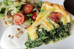 variation of a spinach quiche I want to try * magnoliaelectric: YYY - YummY fridaY {Spinatquiche mit Fetaschinkenecken}