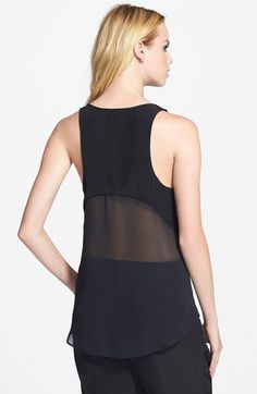 Loving the peak of skin you see with this top. | @nordstrom #nordstrom