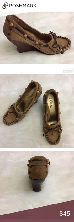 """SAM EDELMAN MOCCASIN WEDGE SHOES Moccasin Wedge Shoes  Sam Edelman   Leather Upper  3 1/2"""" Wedge Heel  Excellent Condition   Cute Ties and Beads  Size 9M  🚫NO TRADES Sam Edelman Shoes Wedges"""
