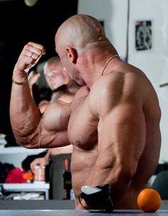 MASSE AUFBAUEN – TIPPS ZU ERNÄHRUNG UND TRAINING Wenn Du imposante Muskulatur bzw. Masse aufbauen möchtest, musst Du entsprechend trainieren und für ausreichend Erholung sorgen. Darüber hinaus musst Du aber