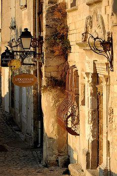 Les Baux-de-Provence  birdcagewalk:  ...