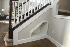 DIY: How to Stain and Paint an OAK Banister, Spindles, and Newel Posts (the shor. DIY: How to Stain and Paint an OAK Banister, Spindles, and Newel Posts (the shortcut method.no sanding needed! Painted Stair Railings, Black Stair Railing, Wood Railings For Stairs, Black Stairs, Painted Stairs, Interior Railings, Basement Stairs, Bannister Ideas, Stair Spindles
