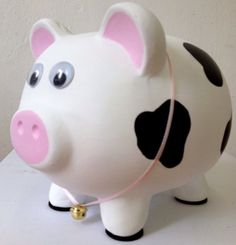 chanchitas alcancias - Buscar con Google Pig Bank, Penny Bank, Personalized Piggy Bank, Cute Piggies, Diy Arts And Crafts, Ceramic Painting, Craft Fairs, Clay Pots, Decoupage