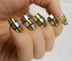 manicurator: nail art, polish, manicures and all things beauty blog: 31DC: Day 8 - Metallic (Checkerboard nail art)