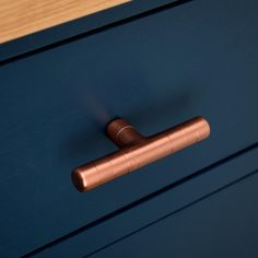 Thin Copper T Pull with ridging detail.. Here you have a beautiful contemporary PURE copper t knob with ridging detail. Works great on cabinet doors, wardrobe drawers, cupboards, kitchen units and just about anything that can open. Are you looking for something original to make your home or workplace that little bit more unique? This copper T knob is a fantastic way to do just. FEATURING: - Genuine 100% pure copper. - More smooth: This pull is hand sanded and polished, to release the…
