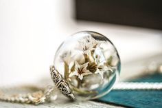 +Echte+Blüten+Kette,+Flieder+in+Glaskugel+von+Bling-Bling+Boutique+auf+DaWanda.com
