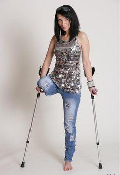 Beine amputiert frau Strumpfhosen an