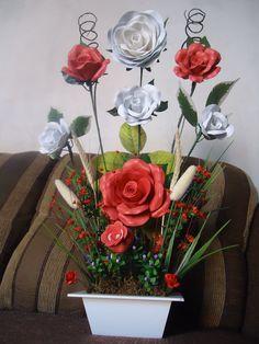 Flor em E.V.A  R$60,00  acesse a pagina no facebook/Giarts