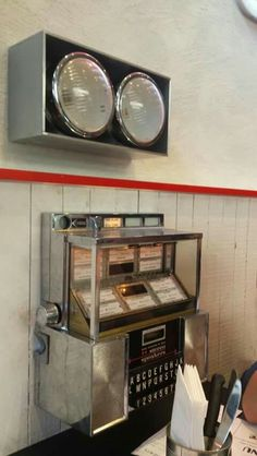 #OldSchool #diner #jukebox