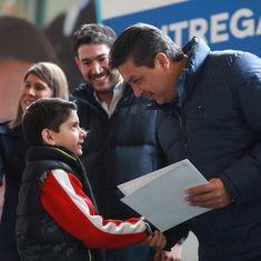 Gobernador de Tamaulipas realiza la primera entrega de becas de los programas Propósito y Virtud