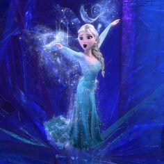 """Elisabeth Rapin """" ELSA """" reine des neiges. Dotée depuis sa naissance de pouvoirs magiques qui lui permettent de contrôler la neige et la glace. Mais, ces émotions ne les rendent pas incontrôlables !"""