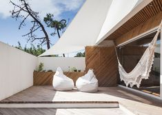 Architect Ernesto Pereira Transforms an Old House Into a Nonconformist Residence: SilverWood House. Interior Exterior, Interior Architecture, Interior Design, Open Plan, Marquise, Outdoor Living, Outdoor Decor, House Layouts, Outdoor Areas
