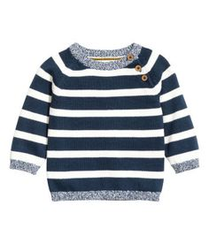 H&M Dark blue/striped. Fine-knit sweater in soft cotton with buttons on one shoulder. Kids Winter Fashion, Fashion Kids, Baby Boy Knitting Patterns, Baby Knitting, Cute Outfits For Kids, Baby Boy Outfits, Crochet Toddler, Future Clothes, Toddler Boy Fashion