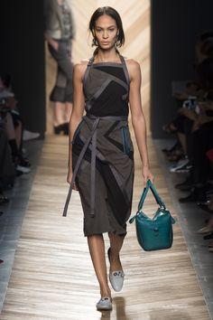 Bottega Veneta Spring 2016 Ready-to-Wear Fashion Show - Joan Smalls