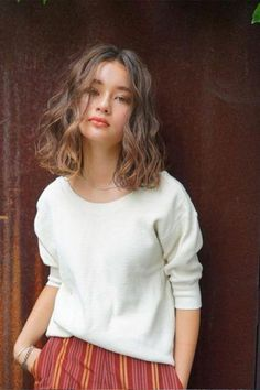 Those days when all the coolest styles were only for straight hair are over. Here are some fun and trendy ideas and inspiration for curly hair.just don't cut it yourself gurl. ✨ wavy hair Simple And Trendy Haircuts Great For Curly Hair 💇🏼♀️ Curly Hair Styles, Haircuts For Curly Hair, Trendy Haircuts, Short Curly Hair, Short Hair Cuts, Medium Hair Styles, Straight Hairstyles, Medium Permed Hairstyles, Wavy Hair Perm