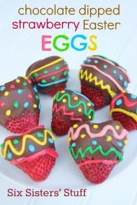 Six Sisters Chocolate Dipped Strawberry Easter Eggs Recipe. These are so bright and cute!  Perfect for your Easter celebration!