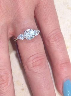 #diamond #engagement #ring #love #marryme #style #diamonds #diamondsinternational #shimmer