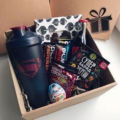 Gift Box For Men, Gifts For Him, Friend Birthday Gifts, Diy Birthday, Cute Gifts, Diy Gifts, Christmas Gift Box, Boyfriend Gifts, Gift Baskets
