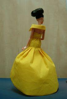 EXPOSICION DE VESTIDOS DE PAPEL Barbie, Disney Princess, Disney Characters, Paper Dresses, Zaragoza, Exhibitions, Paper Envelopes, Patterns, Disney Princes