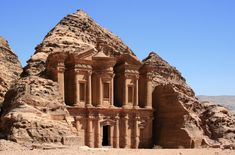 Petra, firstly acknowledged to its inhabitants as Raqmu, is a ancient and archaeological city in southern Jordan. Petra lies on the hill of Jabal al-Madbah. Israel Travel, Egypt Travel, New Seven Wonders, Wonders Of The World, Tenerife, Petra Tours, Grande Route, Jordan Tours, Le Sri Lanka