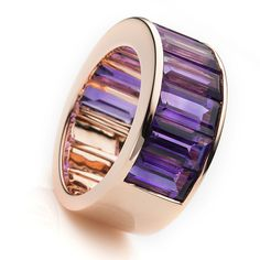 This delightful Rose Gold Ring with 10 shiny purple amethysts is an eye-catcher. Delicately elegant, bright sparkling contrasts of the purple and rose gold High Jewelry, Stone Jewelry, Jewelry Rings, Jewelry Accessories, Jewelry Design, Jewellery, Purple Jewelry, Amethyst Jewelry, Gold Jewelry
