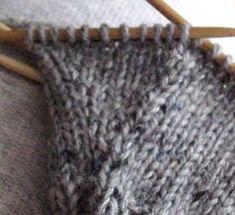 tätä Knit Mittens, Knitted Hats, Chiffon Scarf, Marimekko, Knitting, Gloves, Tricot, Breien, Stricken