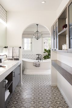 Modern Reno After - These Bathroom Reno Before & Afters Are Truly Transformative - Photos