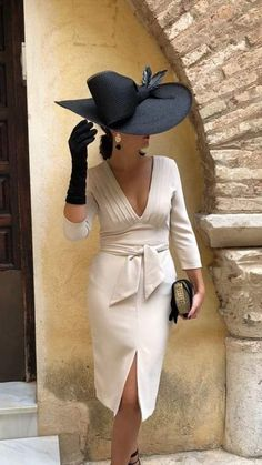 Mother Of Bride Outfits, Mother Of The Bride, Elegant Dresses, Beautiful Dresses, Wedding Hats, Wedding Wear, Wedding Bridesmaids, Trendy Wedding, Hats For Women