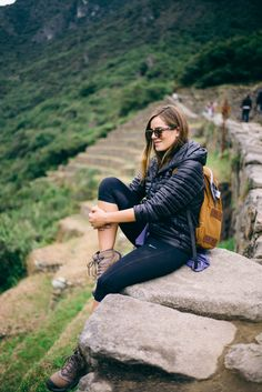 Gal Meets Glam Peru Itinerary - Machu Picchu - Patagonia Jacket